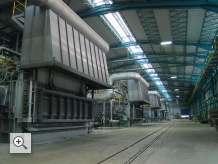Furnace feeding five continuous strip casting lines
